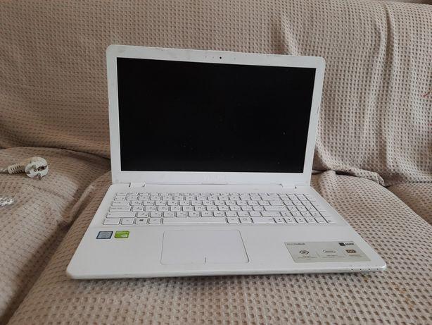Ноутбук Asus VivoBook 15 X542UF-DM399 на разборку