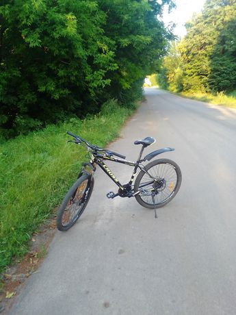 Класний спортивний велосипед Cross Hanter