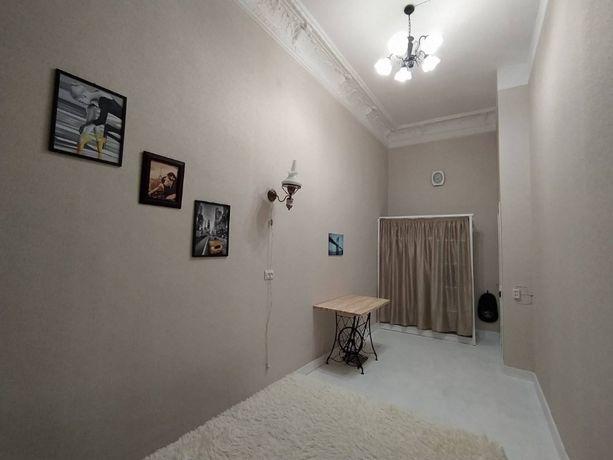 Продается комната в коммуне в центре города!