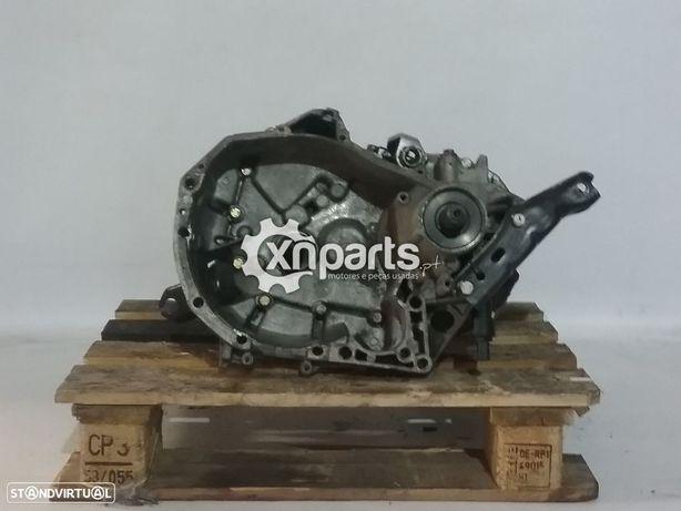 Caixa de velocidades manual RENAULT MEGANE I 1.4i REF. JB1054 - 1995 - 2004 Usad...