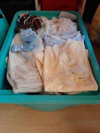 Roupa de bebé menino
