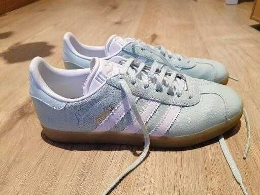 Ténis Adidas modelo Gazelle (novos)