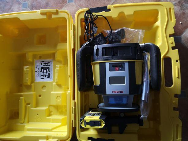 Niewlator laserowy rugby leica do koparki jak nowy