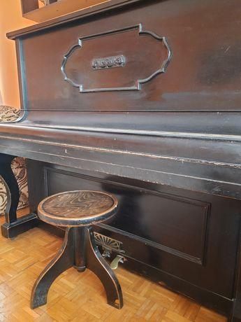 Sprzedam zabytkowe solidne pianino - antyk