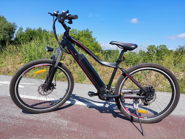 bicicleta elétrica de montanha BTT