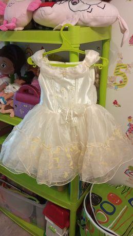 Нарядное пышное платье 3 г
