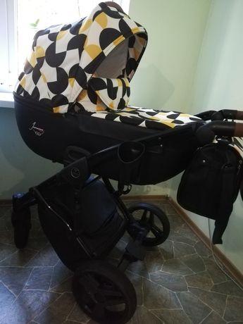 Продам коляска Junama 3 в 1 лимитированая серия от одного ребенка
