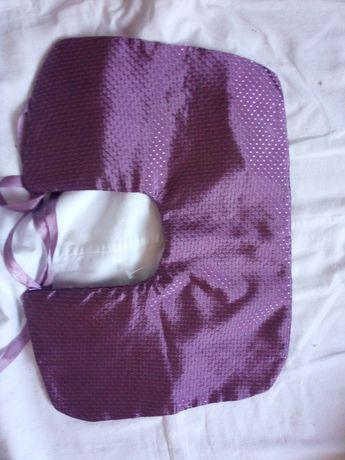 Ортопедична подушка в дорогу