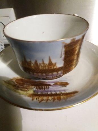 Bonita chavena de chá .muito antiga de vitrine com mais de 100