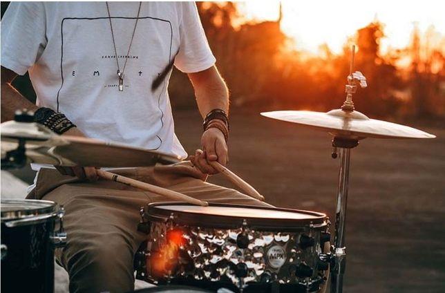 Барабанщик ищет группу!!!