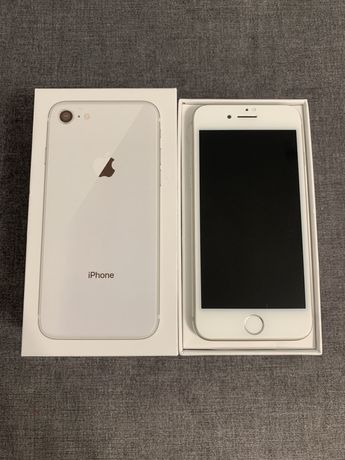 iPhone 8 /64 Silver