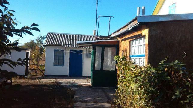 Дом в пгт Новониколаевка с мебелью и большим огородом