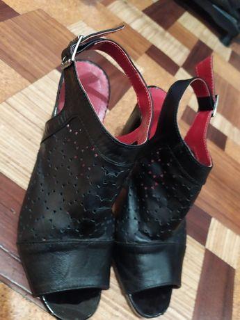 Туфли кожаные,черные