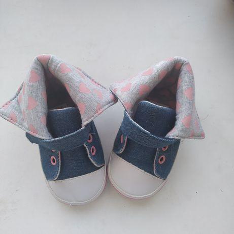 Пинетки кросовки для новорожденной девочки 0-3 мес