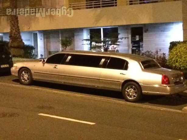 Limousine Lincoln Town Car Strechlimo