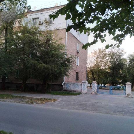 *Трехкомнатная просторная сталинка в центре: 96 кв-л