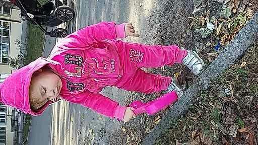 Спортивный костюм для девочки велюровый