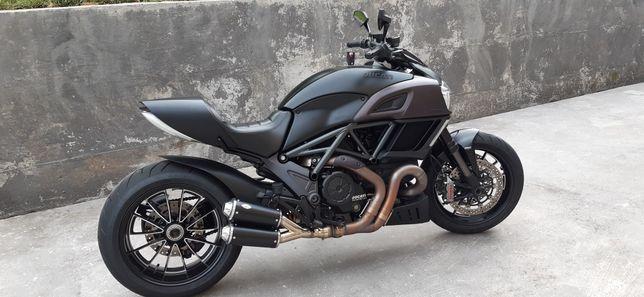 Ducati diavel 2015 como nova