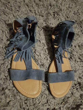 Sandały Lasockiego