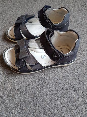 Sandałki lasocki r.25