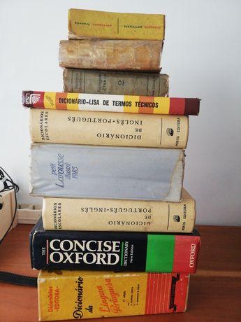 Ofereço dicionários