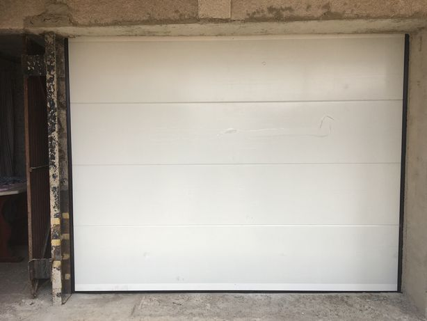 Porta seccionado garagem servicos de serralharia