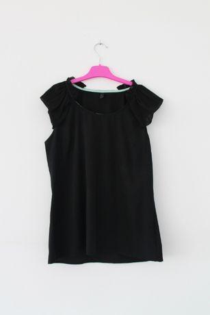 Czarna koszulka z falbanami