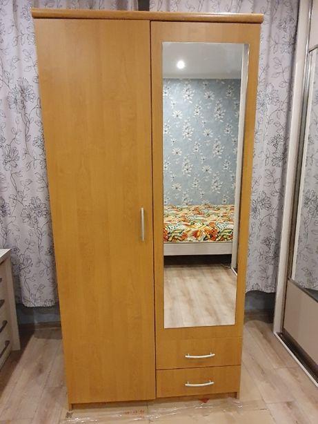 Шкаф двухдверный с зеркалом, современная классика