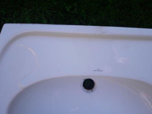 Umywalki łazienkowe nowe i używane