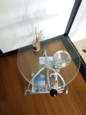 Mesa redonda de apoio vidro e para revistas