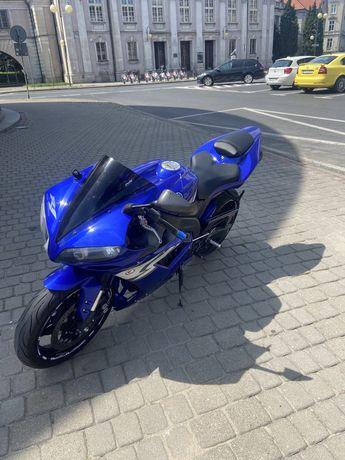 Yamaha R1 RN12 2004