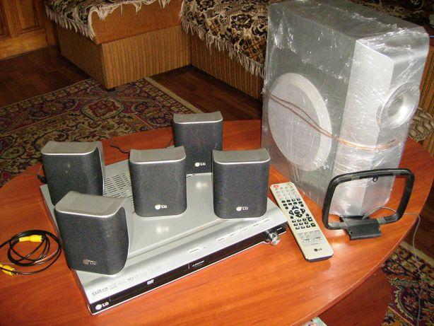Проигрыватель. Домашний кинотеатр. DVD/CD Ресивер LG марки LH-T250X.