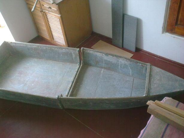 Лодка рыбацкая деревянная ручной работы для охоты и рыбалки в камышах