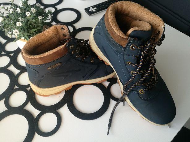 Zimowe buty 38  z CCC
