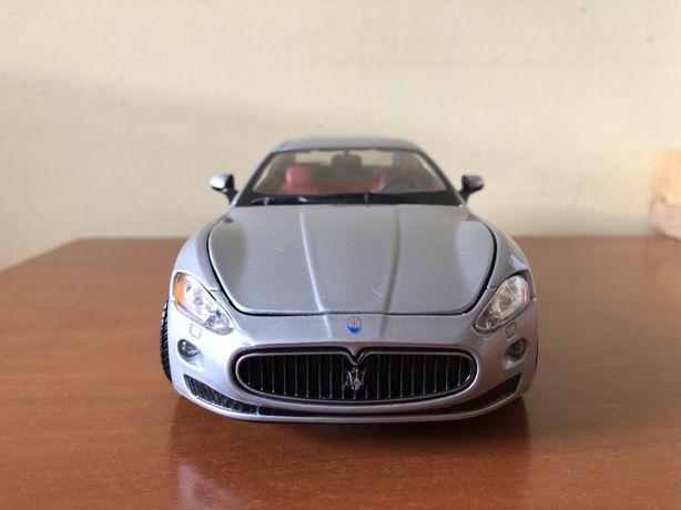 Maserati Quattropuorte Cinzento 1/24