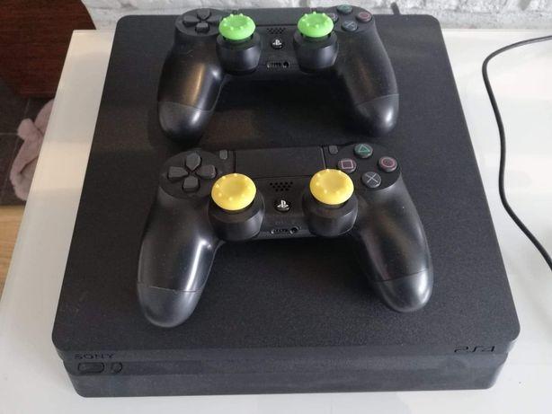 Konsola PS4 500 GB slim plus 2 oryginalne pady i 8 gier! zestaw!