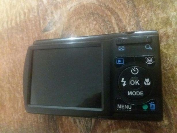 Продам цифровой фотоаппарат Pentax Optio E80 Black, идеал!