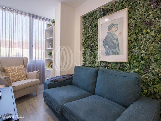 Apartamento T1+1 remodelado, em bom estado, na Boavista, ...