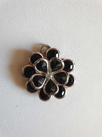 Новая Подвеска кулон Avon черный цветок