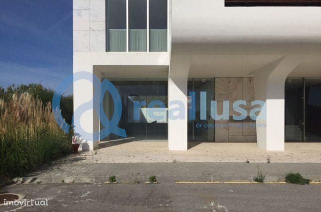 Loja de 86 m2 em Aveiro