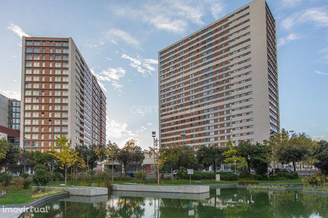 """Magnifico T1 no Parque das Nações  Edifício """"Panoramic"""" com Parqueamen"""