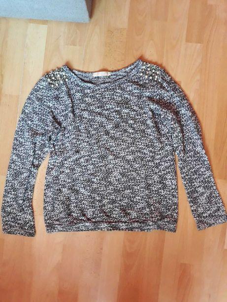 Sweterek z perełkami