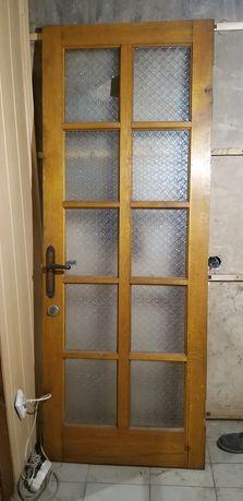 Дубовая дверь  межкомнатная