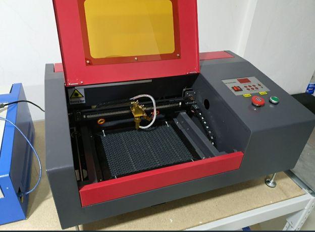 Máquina a laser de co2 40w 300x200mm (Versão Upgrade)