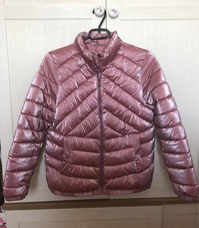 Куртка Zara.