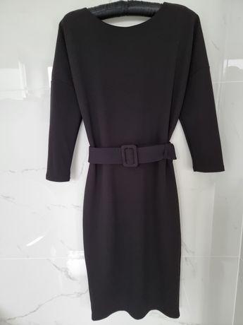 Ołówkowa sukienka firmy MOHITO