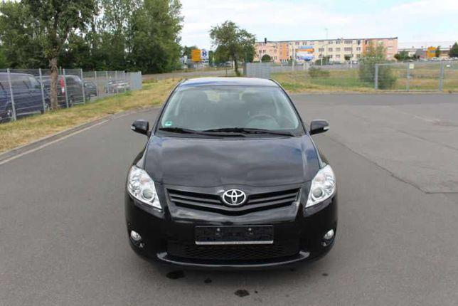Toyota Auris 2010г.в. 1,33л механика