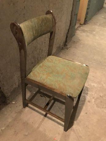 Stół i krzesła sprzedam