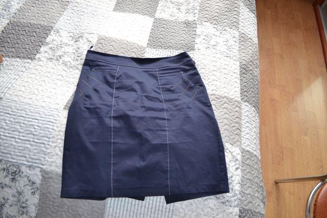 spódnica granatowa z kieszeniami z przodu rozmiar 42