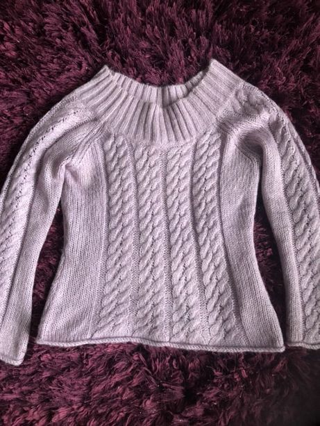 Sweterek piękny, śliczny ścieg, przeplatany srebrna nitka